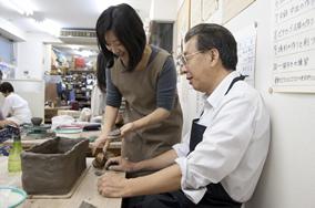 東京の陶芸教室千秋工房 教室の風景1