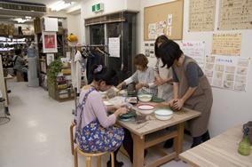 東京の陶芸教室千秋工房 教室の風景2