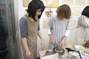 東京の陶芸教室千秋工房 教室の風景3