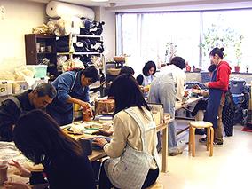東京の陶芸教室千秋工房 教室の風景7