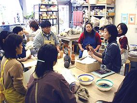 東京の陶芸教室千秋工房 教室の風景8