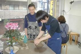 東京の陶芸教室千秋工房 教室の風景13