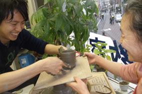 東京の陶芸教室千秋工房 教室の風景15